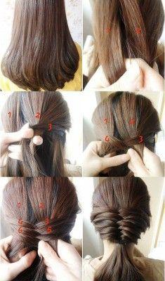 Felül kezdjétek el a halszálka fonást és a tarkótoknál pedig fogjátok össze egyszerűen a hajatokat.