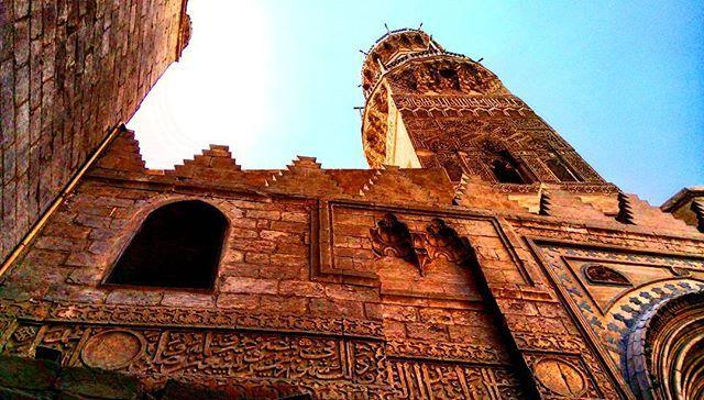 قاهرة المعز. 🌙  Future lies in our past!  #thisisegypt #egyptrepublic #egypt #Cairo #architecture #pillars #tour #tourism #travel #travelphotography  #photography #art  #design #archilovers #archdaily #oriental #orientalarchtecture #islam #religion #mosque #Islamic #islamicarchitecture #arab #Nile #nilecity #africa @egypt.republic @experienceegypt