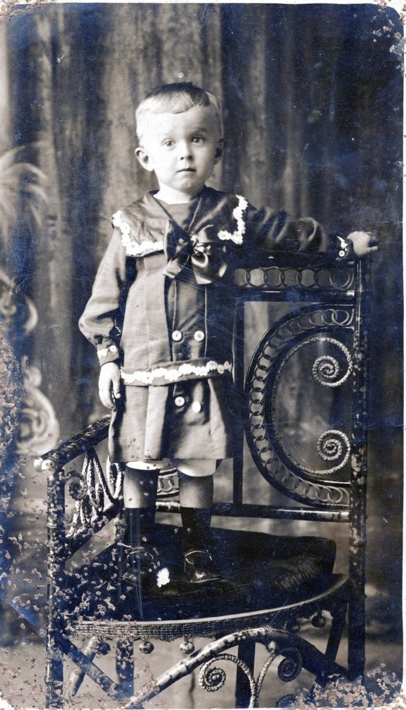 Ca. 1911 Herbert Charles COLMAN at Cooktown.