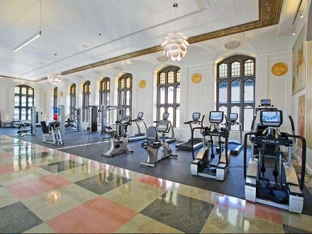 Modern Fitness Center At Downtown Chicago Apartment Community Randolph Tower City Apartments In