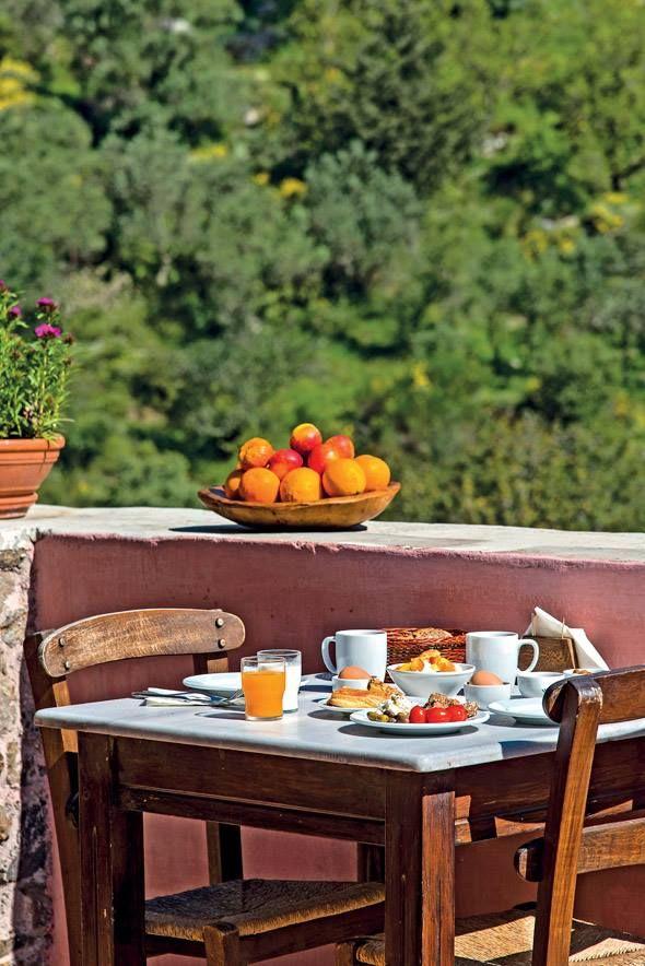 Πρωινό στον Παραδοσιακό οικισμό της Μηλιάς. Kαλημέρα σε ολους από την Δυτική Κρήτη! Milia mountain retreat, West Crete #CretanBreakfast #Crete #Breakfast
