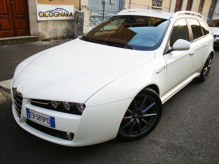 """Auto Cicognara: Auto Usate e Service a Milano - 3939578915 (anche WhatsApp)  NUOVO ARRIVO: Alfa Romeo 159 2.0 JTDm 170CV Sportwagon ti usata.  Allestimento ti : cerchi in lega 19"""", pinze freni rosse, sedili sportivi in pelle, copri pedali in alluminio e .... il resto venite a vederlo ....  STAY TUNED !!!  #AutoCicognara #AutoUsate #Officina #Carrozzeria #CambioOlio #TagliandoAuto #PastiglieFreni #RevisioneAuto #Milano #AC63MI #WhatsApp #AlfaRomeo #SportWagon #JTDm #CuoreSportivo"""