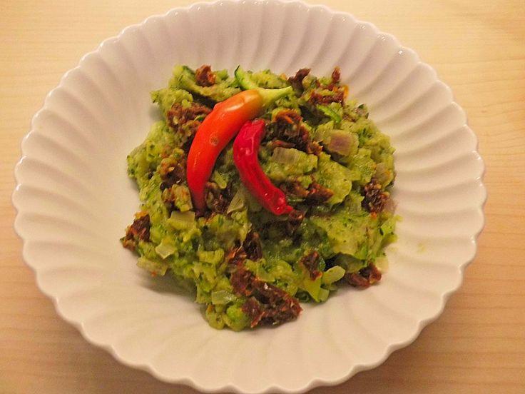 Veganer Zucchiniaufstrich, ein tolles Rezept aus der Kategorie Gemüse. Bewertungen: 5. Durchschnitt: Ø 4,1.