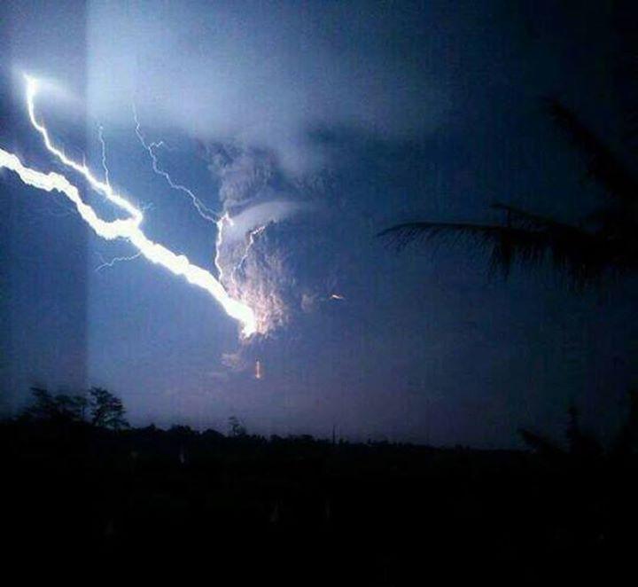 #disaster #indonesia #kelud #blast #magma