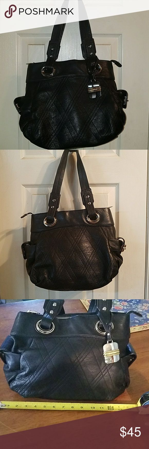 B MAKOWSKY BLACK LEATHER PURSE.  IMMACULATE Black leather B makowsky handbag in like new condition. All brass grommets and zipper this is a high-quality purse that has never been carried and has no flaws. You can see the measurements on the pictures B Makowsky Bags
