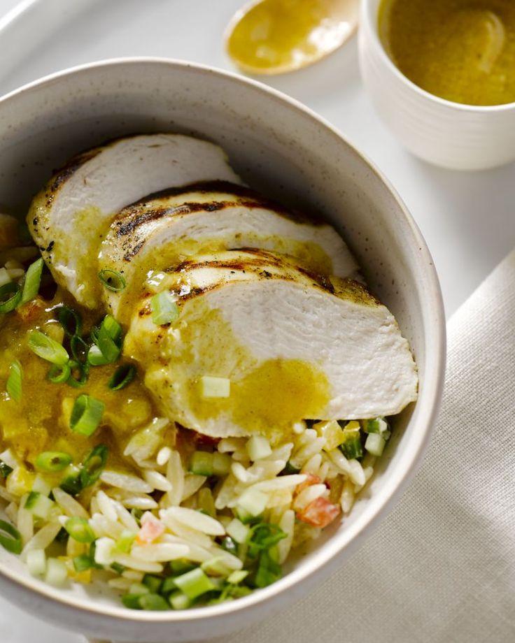 Kipfilet met Griekse pastasalade