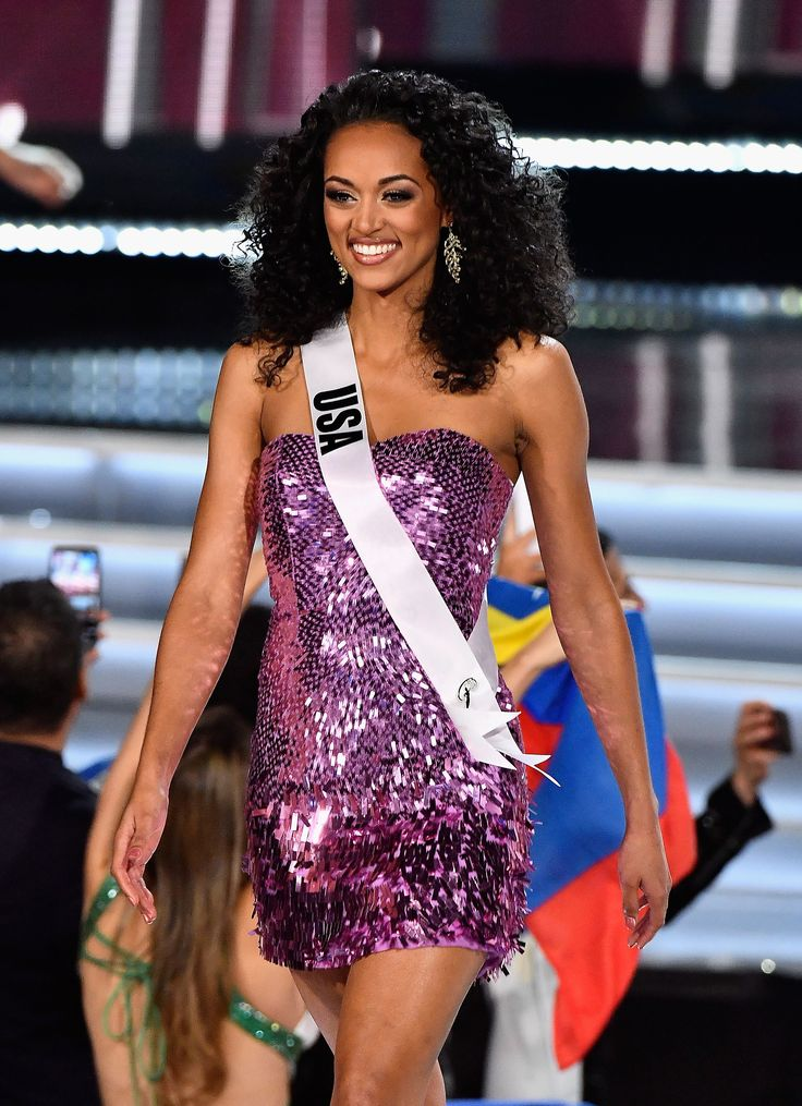 Miss USA 2017 Kára McCullough made the stage her own during the Miss Universe 2017 competition Sunday.