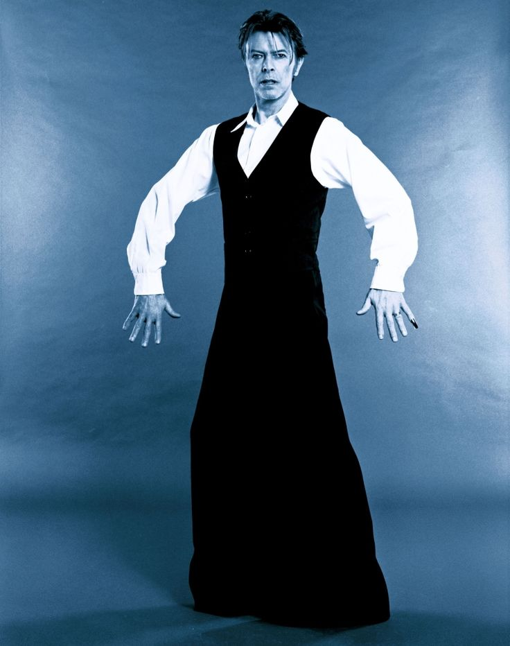 David Bowie by Mario Testino for V18, 2002.