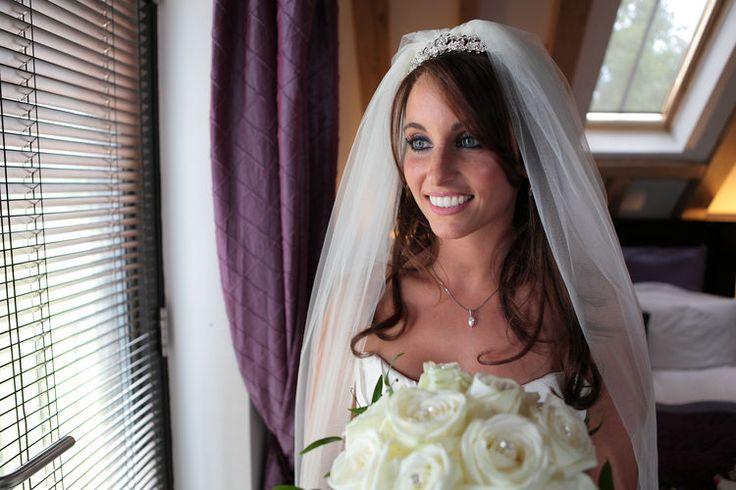 Cooling Castle Barn wedding photographers