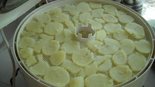 Poverty Prepping: Dehydrating Potatoes