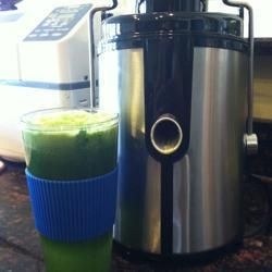 Gesunder grüner Gemüsesaft