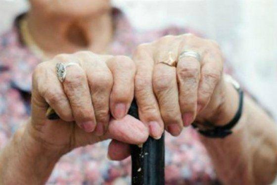 Así lo reveló el estudio de la Universidad de La Sabana y la Asociación Colombiana de Gerontología y Geriatría, el cual establece que solo 1'495.000 de personas mayores de 60 años disfruta de una pensión. Según el informe, la pirámide poblacional del país se ha invertido a tal punto de que hay más gente mayor …