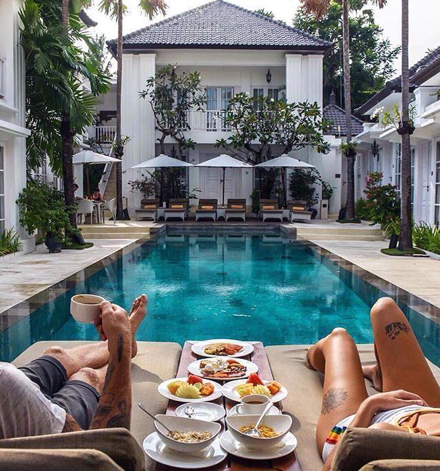 This tops having breakfast anywhere else! ✌. _ _ _ #bluelagoon #rooftop…