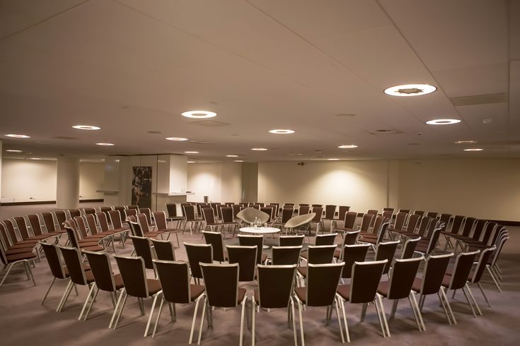 The Grand Slam room is a large open space on Level 3 of our South Stand facility, ideal for large meetings or dining with complimentary Wi-Fi with easy access to the Executive Boxes - London Venue #events #London #venues #conferences