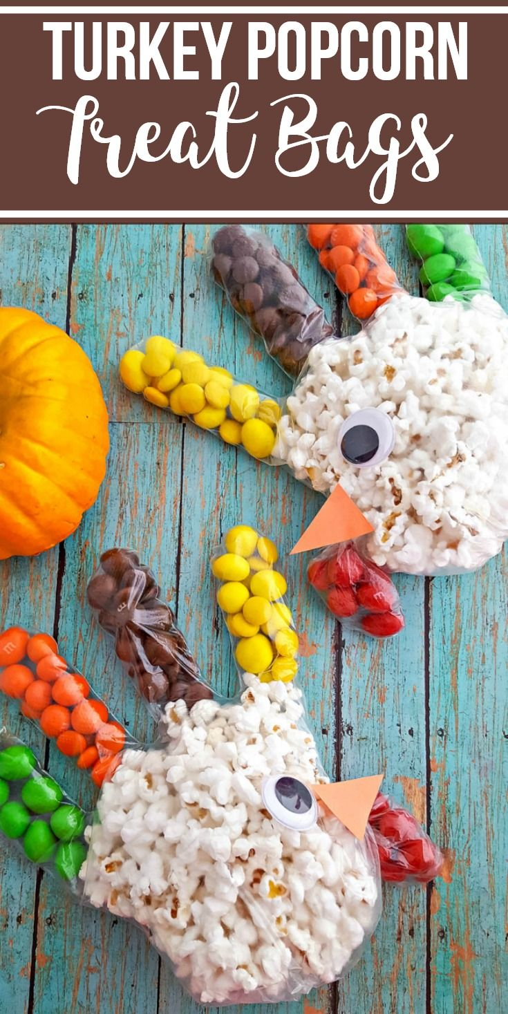 Turkey Popcorn Treat Bags for Thanksgiving - An Easy Fall Craft for Kids!