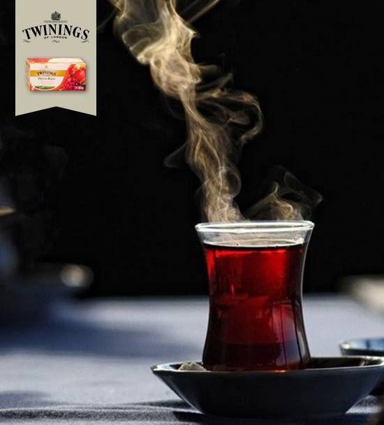 #Momento de consentir-#té #TéNegroTwinings  ¡Disfruta con el delicioso sabor del té negro con frutas rojas! ¡La mezcla de la cereza, fresa, frambuesa y grosella, hacen de este té negro un deleite para el paladar!