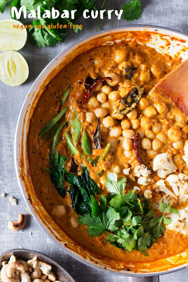 This #vegan #malabar #curry based on a #Keralan classic curry is filling and delicious. It's #easy to make and naturally #glutenfree. #recipe #recipes #vegetarian #lunch #dinner #chickpeas #spinach #cauliflower #entree #india #indiancuisine #indian