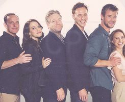 Thor cast...Natalie Portman is sooo tiny. ...Coulson wasn't in Thor...////Yes. Yes he was.