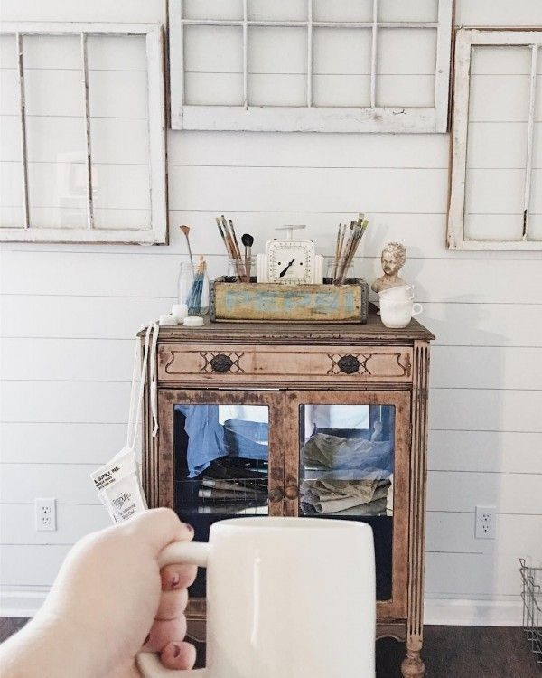 Can't have too much of old window frames! #farmhouse #homedecor @istandarddesign