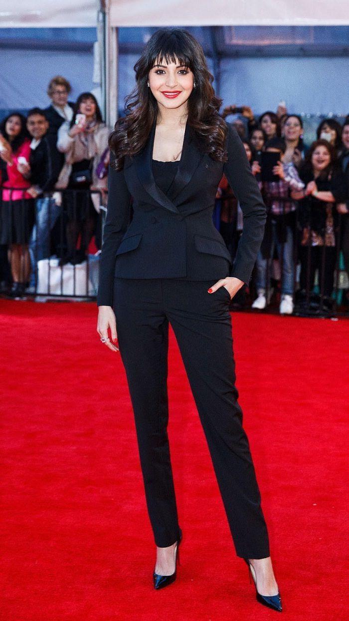 Anushka Sharma looking stunning in black suit! #bollywood #fashion #AnushkaSharma #Black