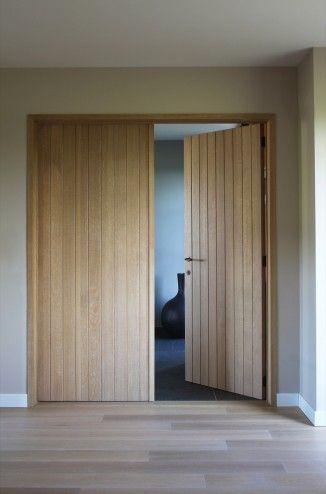 Dubbele deur in hout