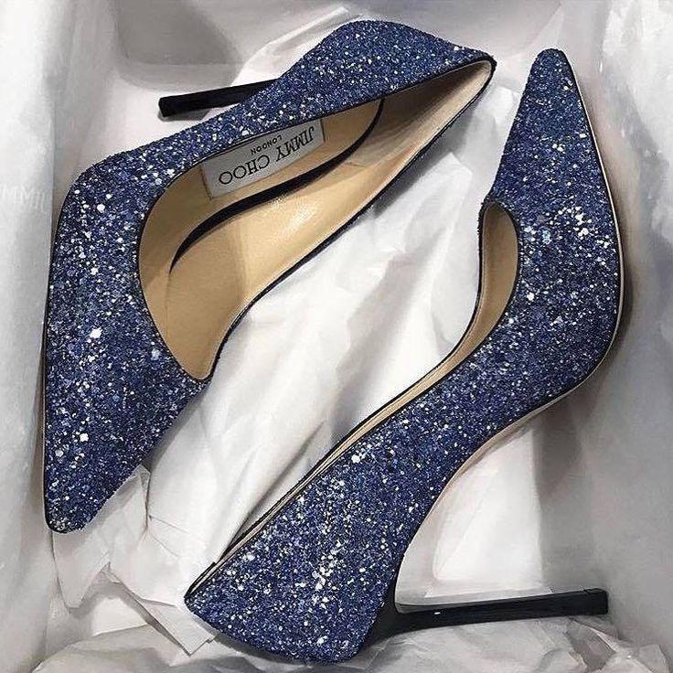 @jimmychoo heels?! Yes, please! Via @kleinfeldbridal #love #happy #bridalstyle #bridestory #weddingday #weddingtime #wedding #weddingideas #bride #bridal #bridallook #bridetobe #bridalshoes #weddingshoes