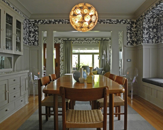 Incredible We love the contrast of the wood dining table with the white trim. 550 x 440 · 99 kB · jpeg
