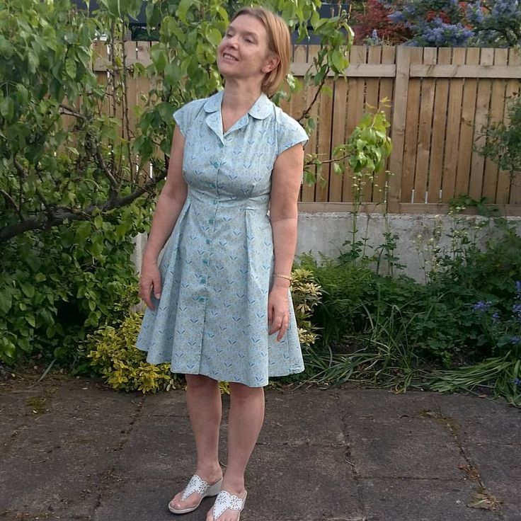 "50 likerklikk, 6 kommentarer – sarah guthrie (@sarahguthrie1963) på Instagram: ""This is the vintage shirt dress by @sewoveritlondon, made at the end of last summer, but worn for…"""