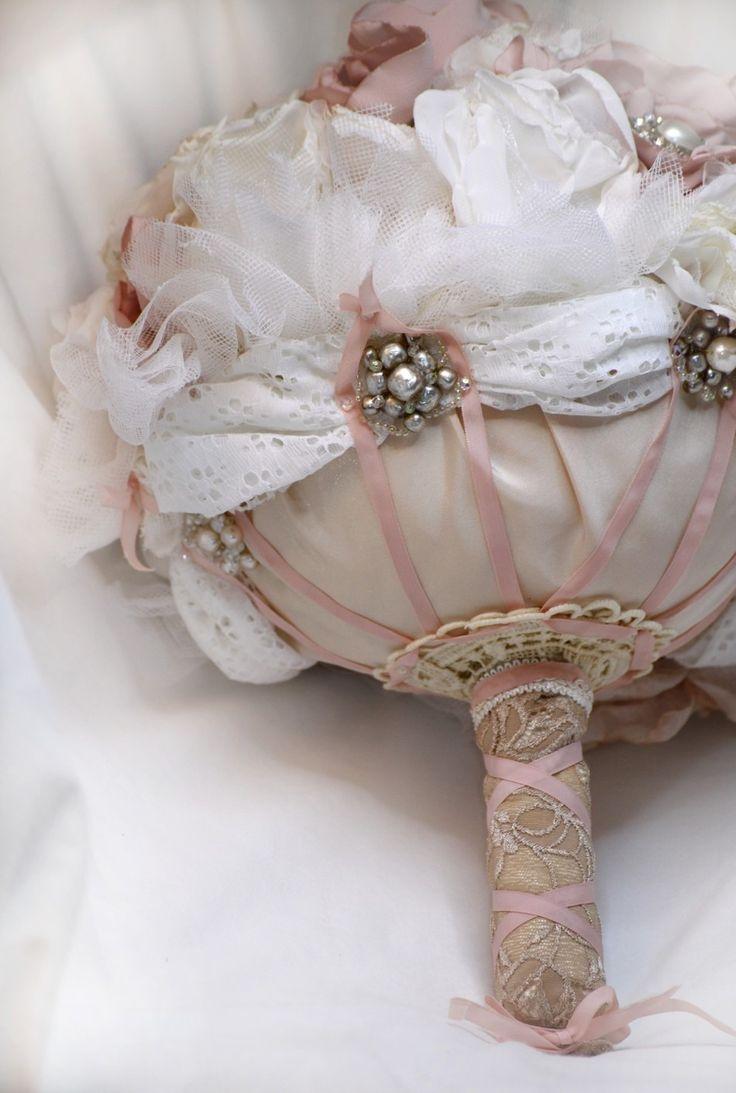 Romantique bouquet ,18 broches N°17,18