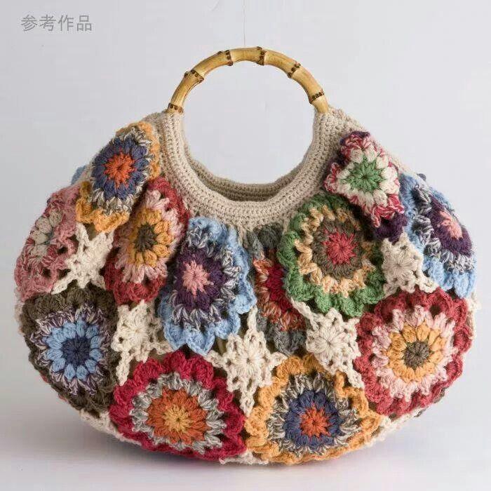Crochet bag made of japanise flowers. So cute!