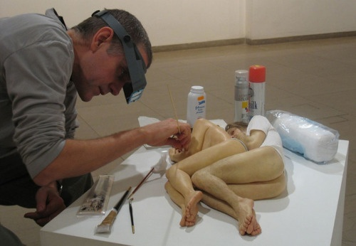 "Artist Ron Mueck concluded that photography destroys the physical ""presence"" of the original object, and so he turned to fine art and sculpture."