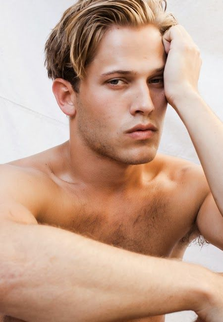 Flowers in the Attic 2.0: Lifetime's Petals on the Wind: Wyatt Nash as Christopher Doll. He is so hot!