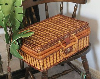 Wicker Box Case Bag: Picnic Basket, Wicker Storage, Suit Case, Trendy Storage, Wicker Hamper, Large Suit Case