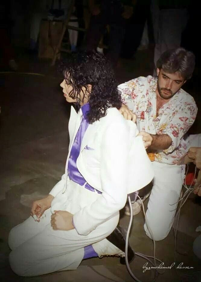 Smooth Criminal - MJ - Putting the strings for the anti-gravity lean