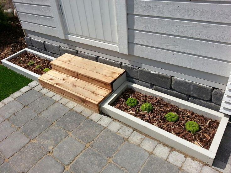 Small white planters