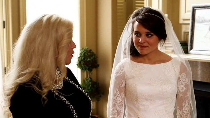 The Duggar family has a unique family wedding tradition that transcends three generations of women. After wearing Grandma Duggar's wedding dress for her wedding, Michelle...