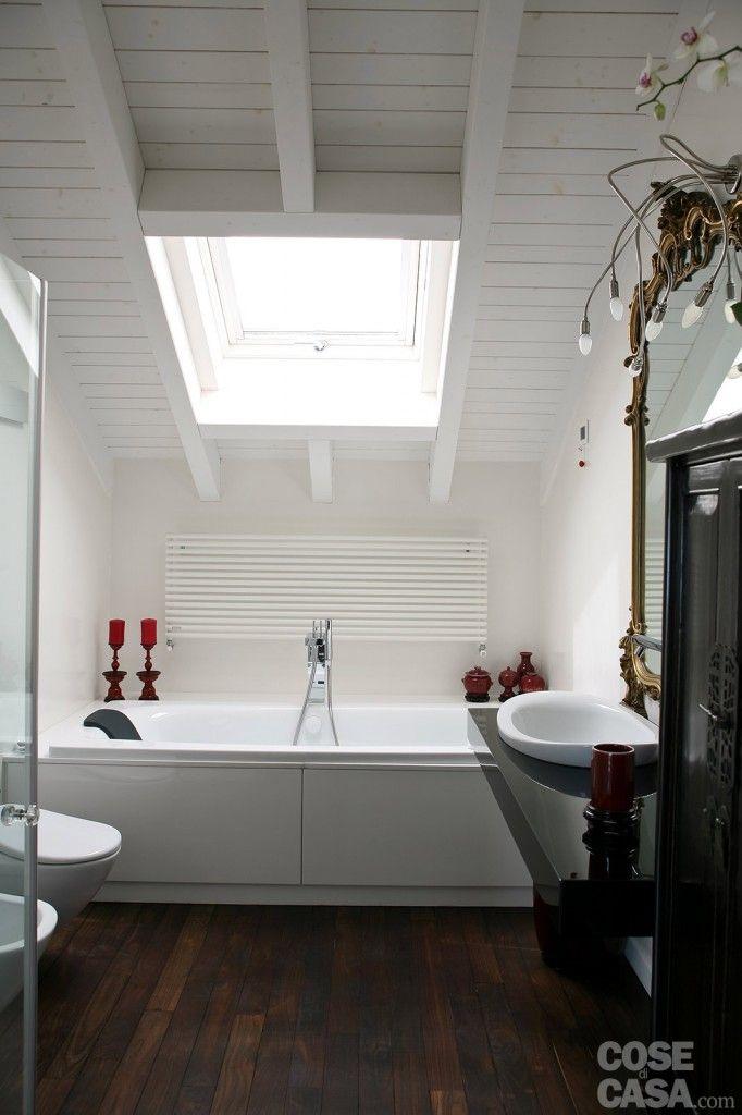 La vasca occupa interamente uno dei lati corti del bagno casa cosedicasa progetto159 - La casa del bagno ...