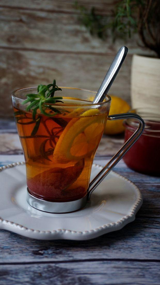 Herbata z różą i rozmarynem