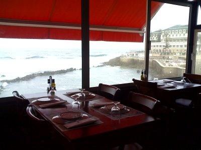 Miradouro da Baleia, Ericeira  Great seafood, spectacular view
