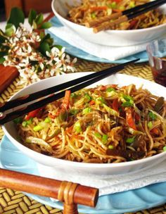 132 best winter food images on pinterest clean eating meals hakka noodles a popular indian chinese dish that would be welcome at our house forumfinder Images