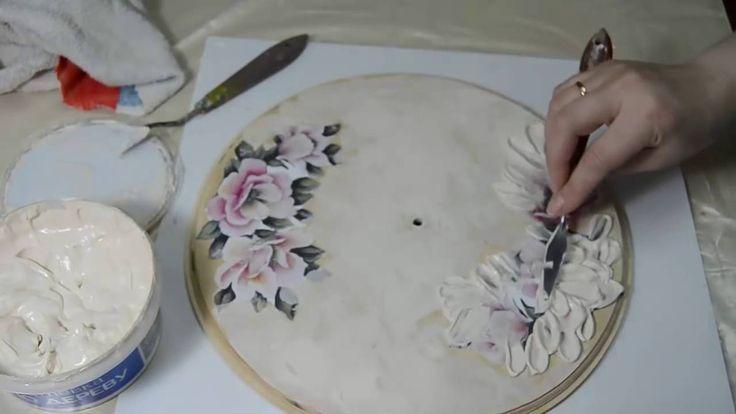 Декупаж  Часы  Рисуем шпатлевкой