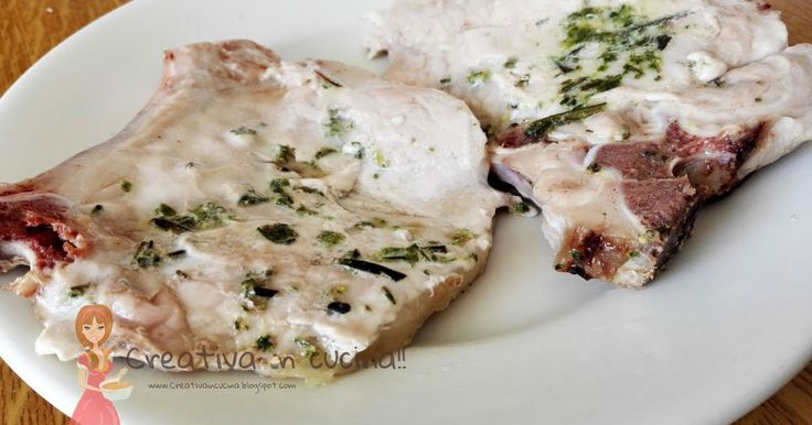 Braciole marinate di suino, buonissime e con i tempi di cottura che trovate nella ricetta, saranno tenerissime!! Per la ricetta >> http://creativaincucina.blogspot.it/2016/05/braciole-marinate-di-suino.html Pork chops marinated, delicious and the cooking time that you find in the recipe, will be very tender !! For the recipe >> http://creativaincucina.blogspot.it/2016/05/braciole-marinate-di-suino.html