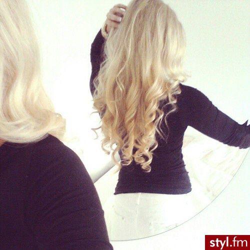 Loki, fale włosy: Fryzury Długie Na co dzień Kręcone Rozpuszczone Blond - CzEkOlAdKa2010 - 1901607