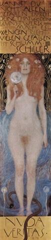클림트의 누다 베리타스Nude Veritas, 1899년, 252*56cm, Theatre Collection of the National Library, Vienna, Austria   누다 베리타스는 노골적으로 묘사된 여인의 누드로 인해 커다란 비난을 불러 일으켯다. 장식적 선이 두드러지는 화려한 배경을 바탕으로 진실을 상징하는 여인의 형상이 정면을 향해 서 있다. 여인의 창백한 피부와 붉은 머리카락이 대조되며 관람객의 시선은 여인의 신체보다는 그녀의 초점없는 시선으로 쏠린다. 진실이 거짓에 의해 위협을 받는 것과 마찬가지로, 여인의 고결함은 그녀의 다리를 감고 있는 악에 사로잡힌 한 마리 뱀에 의해 위협받는다. 형태가 모호한 배경에 특히 정자 모양과 비슷한 두 꽃 모양이 에로틱한 감성을 자극한다.