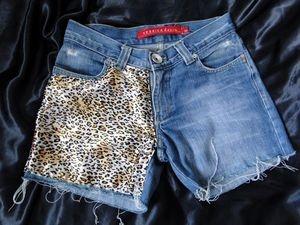 Shorts Jeans com renda Onça R$60,00. -Tamanhos 36 a 44 (+). -Preto e Azul.