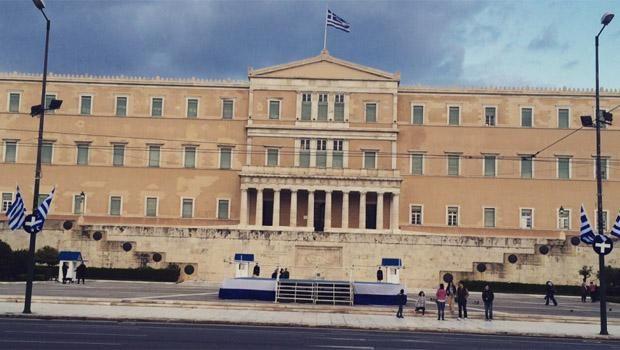 Böyle krize can kurban!- Atina Yunanistan