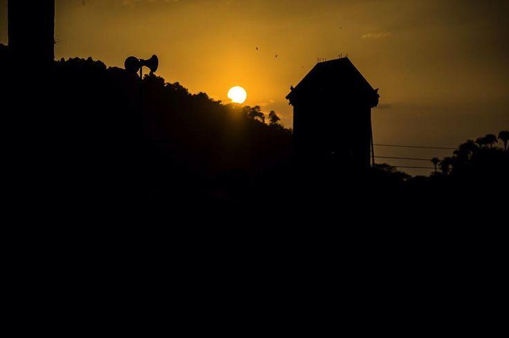 La Virgen de Quipile, Colombia Ph: Daniela Rojas Vizcaíno @nani_rouge / Tejiendo Memoria  Otro día va Un nuevo atardecer Un sueño queda  #everydaylatinamerica #mujeresedla #travel #2016 #colombia #TejiendoMemoria #HistoriasDeMiAldea #lavirgendequipile