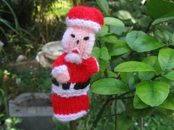 #Santa Claus is coming to town. One of our large range of #handmade #fairtrade finger puppets from Ciap fair trade producer group , Peru.