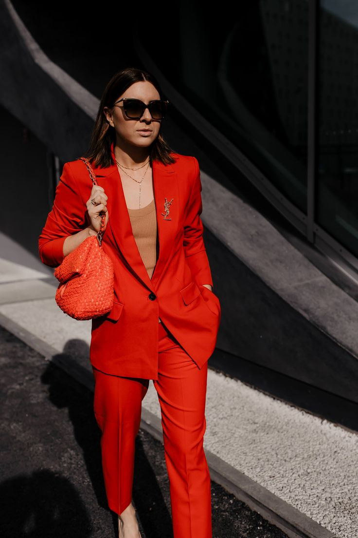 Was ziehe ich im Büro an? Das sind die schönsten Business-Anzüge für den Frühling! – Who is Mocca? – Fashion Trends, Outfits, Interior Inspiration, Beauty Tipps und Karriere Guides