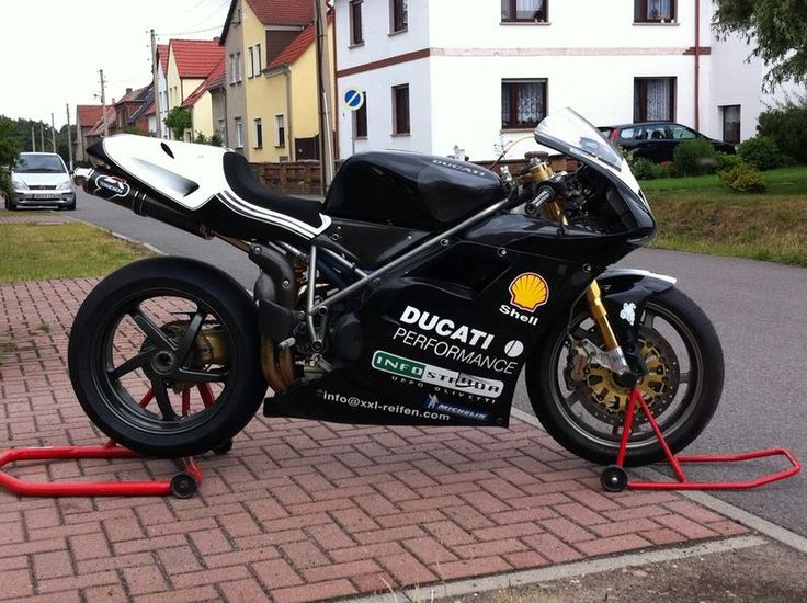 Facebook - Ducati 748 Desmo Owners